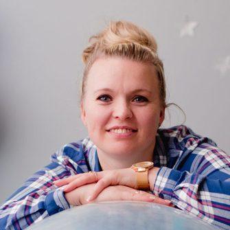 KAROLINA OSTRYCHARCZYK - nauczyciel kontraktowy